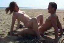 27259 210x142 - Un couple hard sur une plage interdite