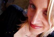 27315 210x142 - Blonde séduisante enculée sur une plage
