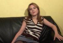 27465 210x142 - La jeune blonde Jessica prend son pied dans un casting