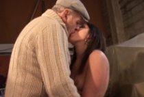 27493 210x142 - Brunette de 21 ans niquée par un duo jeune et vieux