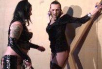 27767 210x142 - Un homme poilu se fait torturer par une dominatrice enculeuse