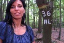 27781 210x142 - Jeune brunette épilée baisée par un inconnu