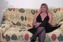 27801 210x142 - Mature blonde découvrir le plaisir d'être cougar