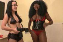 27903 210x142 - La black Naomie reçoit une éjac faciale