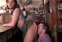 27921 210x142 - Stella se fait enculer sur son bar
