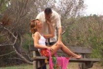 27979 210x142 - Un couple amateur baise sur une plage