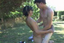 28083 210x142 - Lilou se fait baiser et sodomiser en plein air