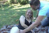 28093 210x142 - Cougar pisse et se fait sodomiser par un jeune