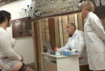 28151 210x142 - Syrial baise en trio chez le gynécologue