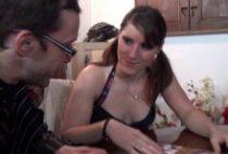 28207 210x142 - Une étudiante sexy baise avec son prof particulier