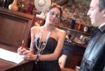 28259 210x142 - Laetitia se fait tirer pour vendre un appartement
