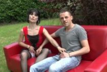 28403 210x142 - Mandie se fait sodomiser dans le jardin