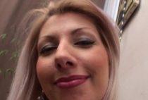 28693 210x142 - Love une chaude blonde se fait fourrer