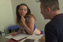 28997 210x142 - Une étudiante salope baise au milieu de la cuisine