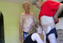 29171 210x142 - Carole découvre le sexe à trois