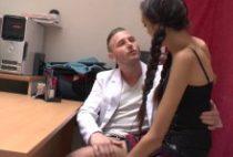 29553 210x142 - Une étudiante baise avec le mec d'une copine