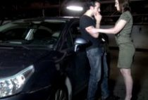 29571 210x142 - Lola belle nympho tronchée dans un parking