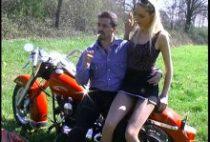 Sexe sur l'autoroute avec un couple français.