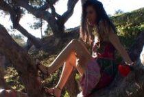 39710 210x142 - Photos coquines et godage d'une étudiante marseillaise