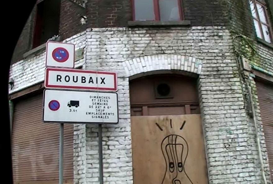 1382 1 - Une séductrice à gros seins très salope à Roubaix