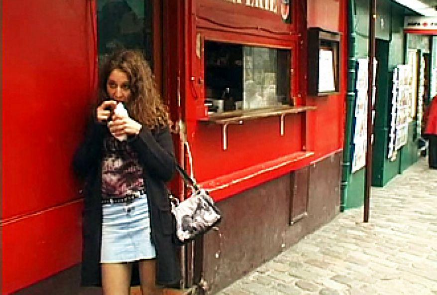 198 1 - Une beurette sexy Française de Montmartre