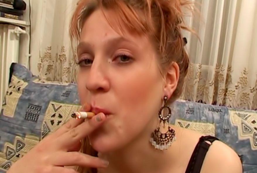 2226 1 - Mylène charmante rouquine baisée par papy Polo