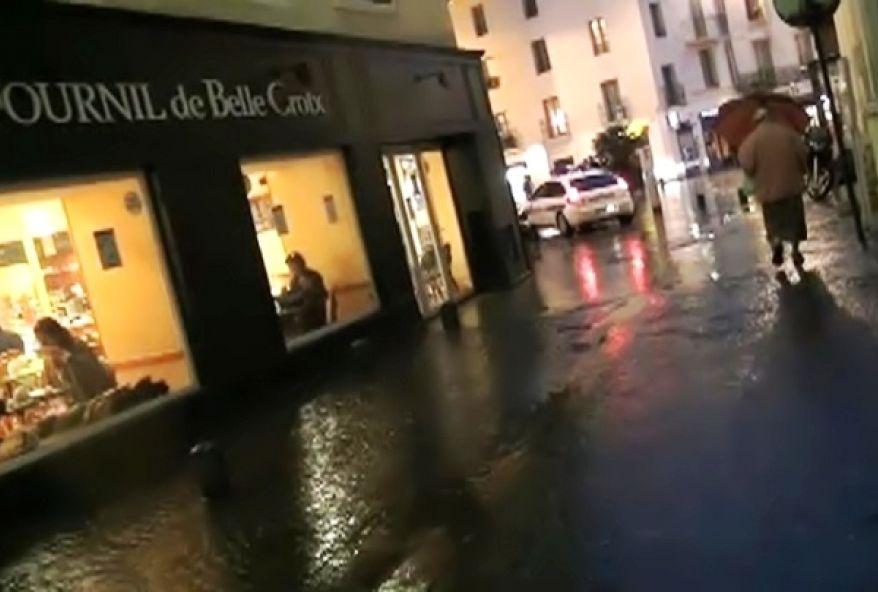 2416 1 - Une employée d'hôtel de Nîmes baisée par un inconnu