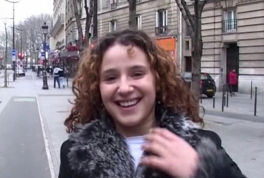 2451 1 - Jeune beurette baisée par un inconnu Français
