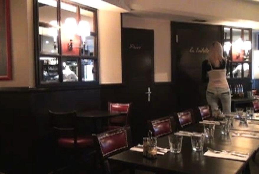2505 1 - Cochonne libertine de Paris se fait baiser au restaurant