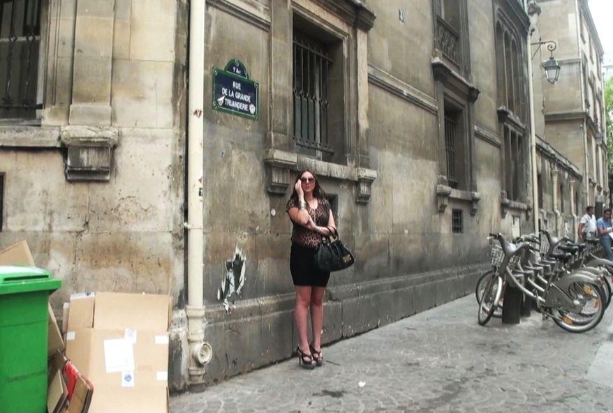 3024 1 - Jeune fille Française 18 ans baise dans un sexshop