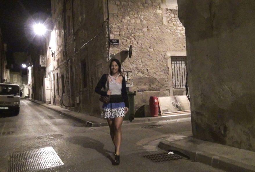 3157 1 - Sexe #partouze sur une jeune brune Française