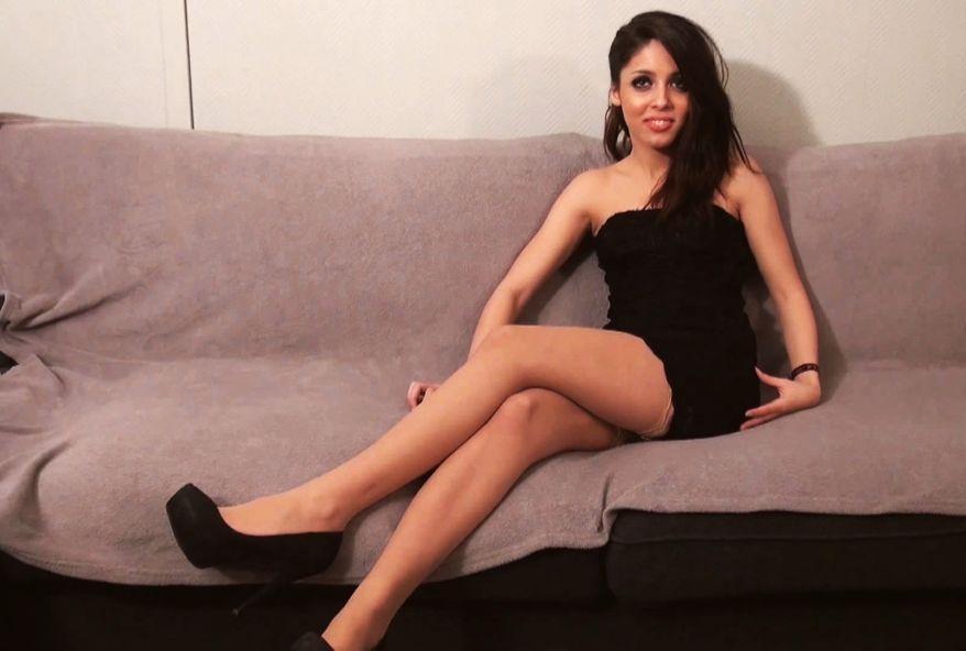 3228 1 - Tara, beurette Parisienne de 18 ans #salope