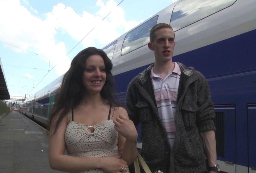 3532 1 - Exhibition d'un couple amateur de chti dans cette vidéo XXX