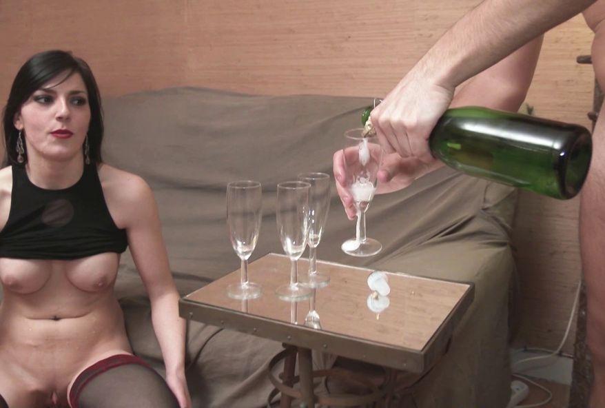 3903 1 - Femmes à gros seins bourrées au champagne