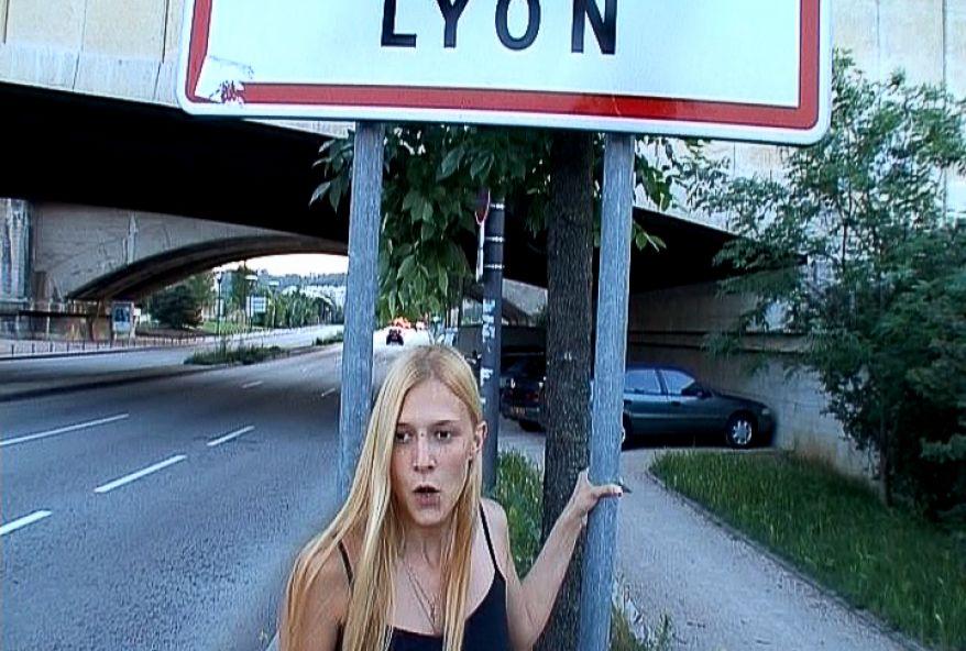 438 1 - Femme coquine baisée à Lyon