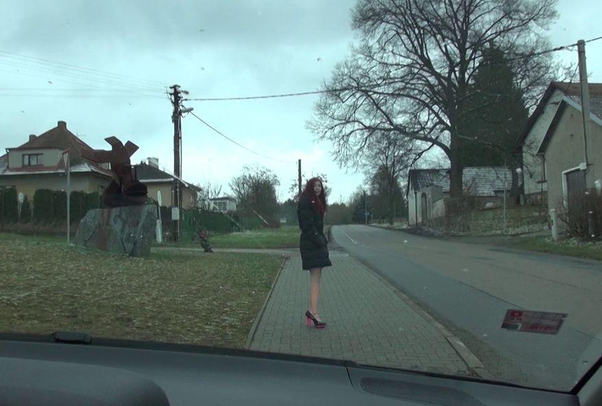 4449 1 - Elle est la salope de son petit village