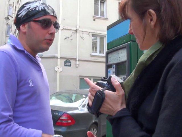 1200 1 - Bourgeoise autoritaire cherche jeune inconnu pour lui péter le cul