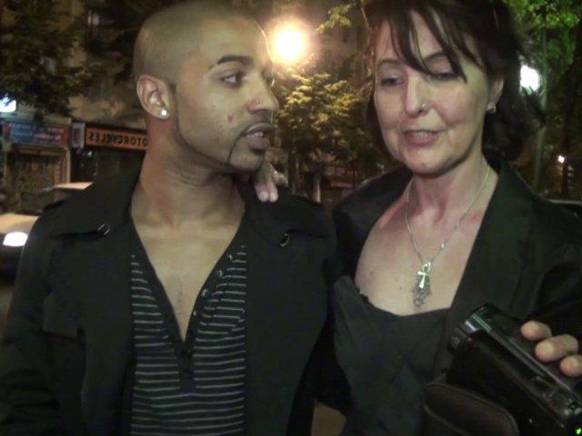 1201 1 - Joyce, une libertine mature rencontrée dans la rue pour baiser