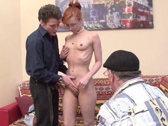 1269 1 - Enora de Lille passe un casting sexe