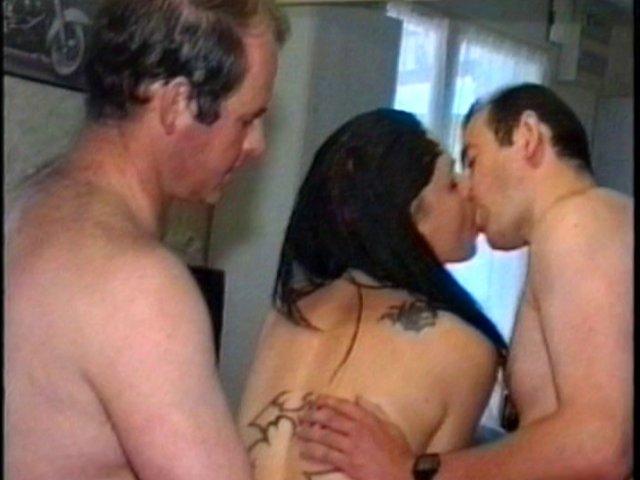 25 1 - Casting sexe tourne en douche de sperme en pleine bouche!