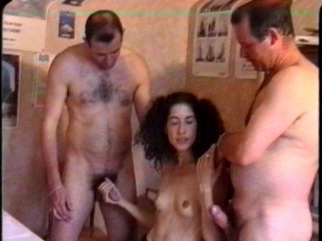 27 1 - Séance de sexe en réunion