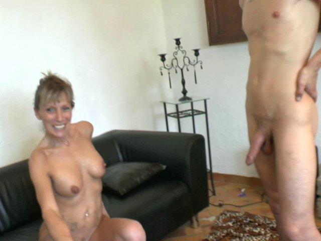 2865 1 - Cougar experte dans l'éducation sexuelle des petits jeunes