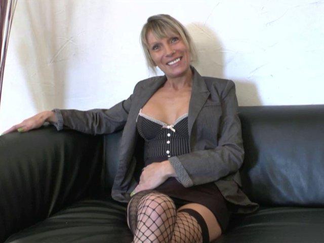 2878 1 - Casting sexe de shana, cougar croqueuse de jeunes hommes