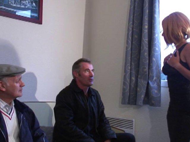 345 1 - Une cochonne dans un hôtel à Gonesse