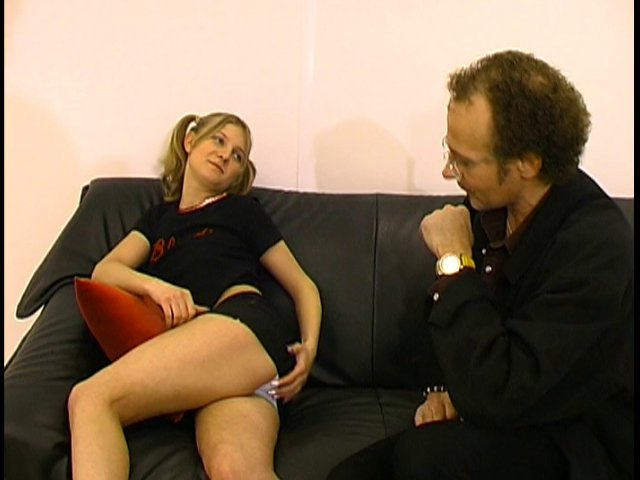 46 1 - Un prof de français se tape une de ses élève étrangère .
