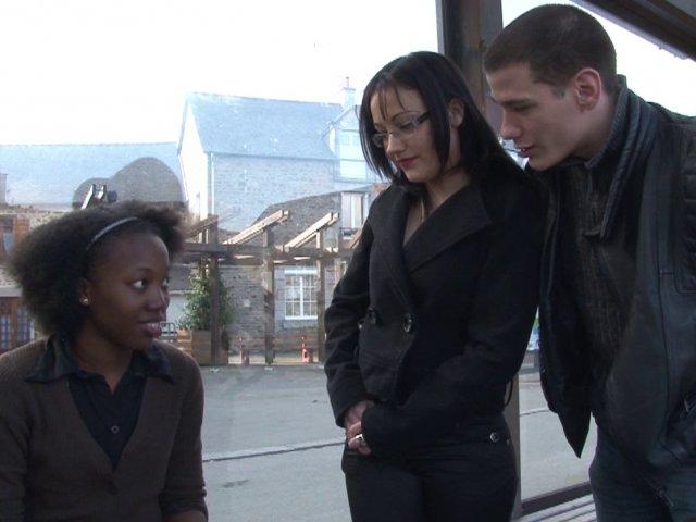 5293 1 - Une jeune blackette découvre l'orgasme anal