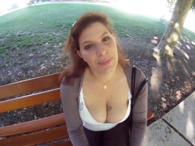 5348 1 - Jeune femme n'est pas une débutante en matière de cul
