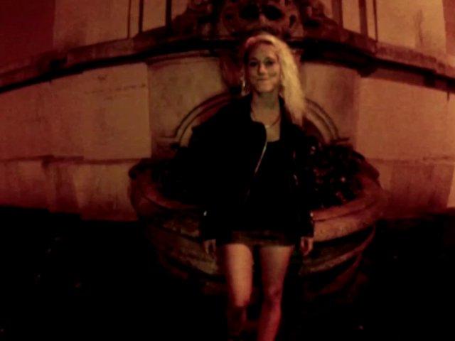 5369 1 - Casting de Nicky, une jeune et jolie blonde croqueuse d'hommes