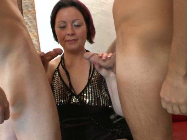 5385 1 - Trio sexe avec Marion