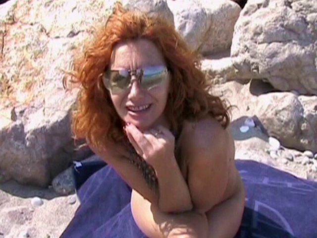 541 1 - Rendez-vous sex avec une jolie mature rousse